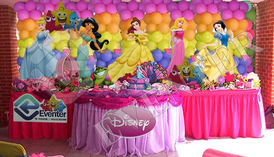 Arreglo de una mesa para matine de princesas imagui - Mesas infantiles disney ...