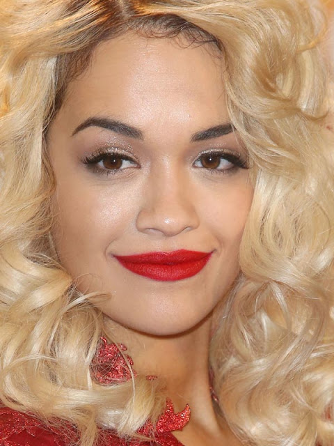 Rita Ora maquilhagem european music awards mtv