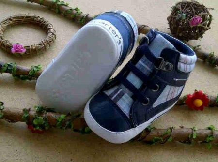 Sepatu anak 2 tahun branded