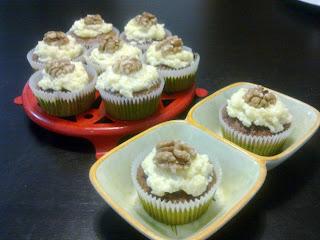 Muffins magdalenas de nueces y limón
