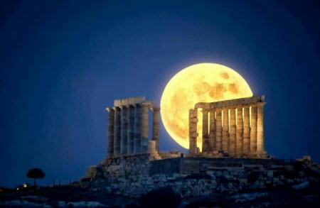 Luna llena en el Partenón