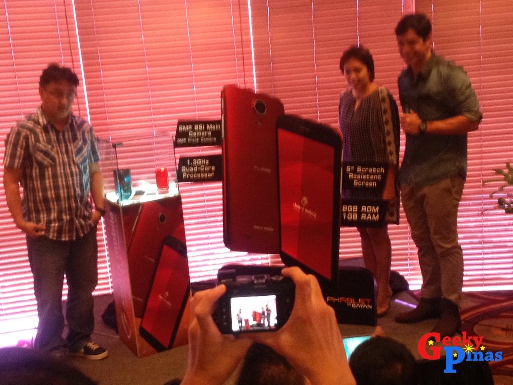 "Cherry Mobile Flare 3: ""Ang Phablet ng Bayan"" for Php3,999"