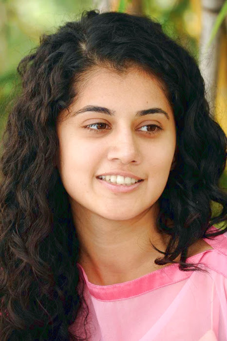 tapsee new looking - mogudu interview glamour  images