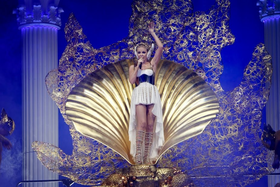 kylie minogue les folies tour setlist. kylie minogue les folies tour setlist. Kylie Minogue - Les Folies