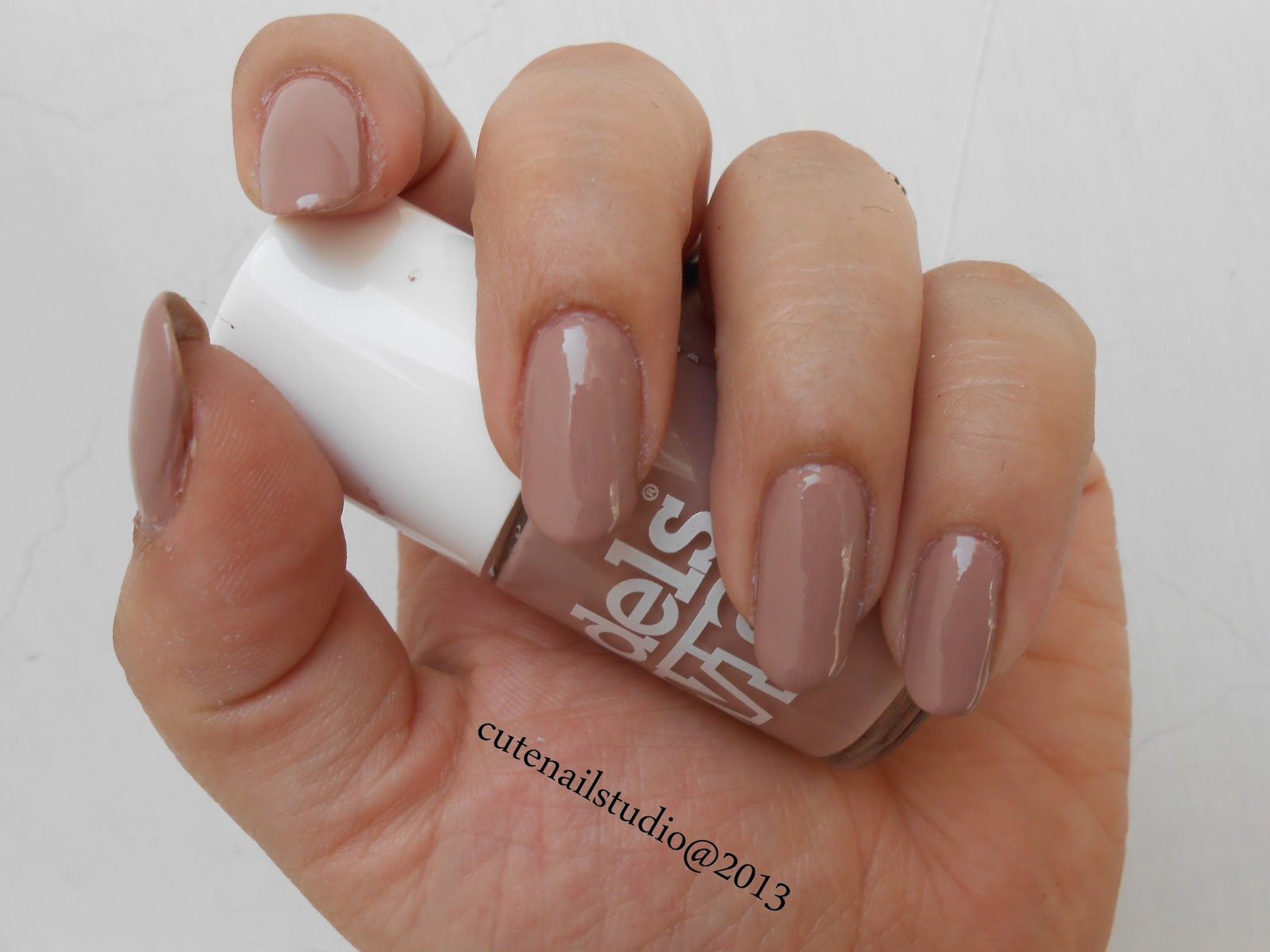 Cute Nails Models Own N De Beige Swatch And Jordana