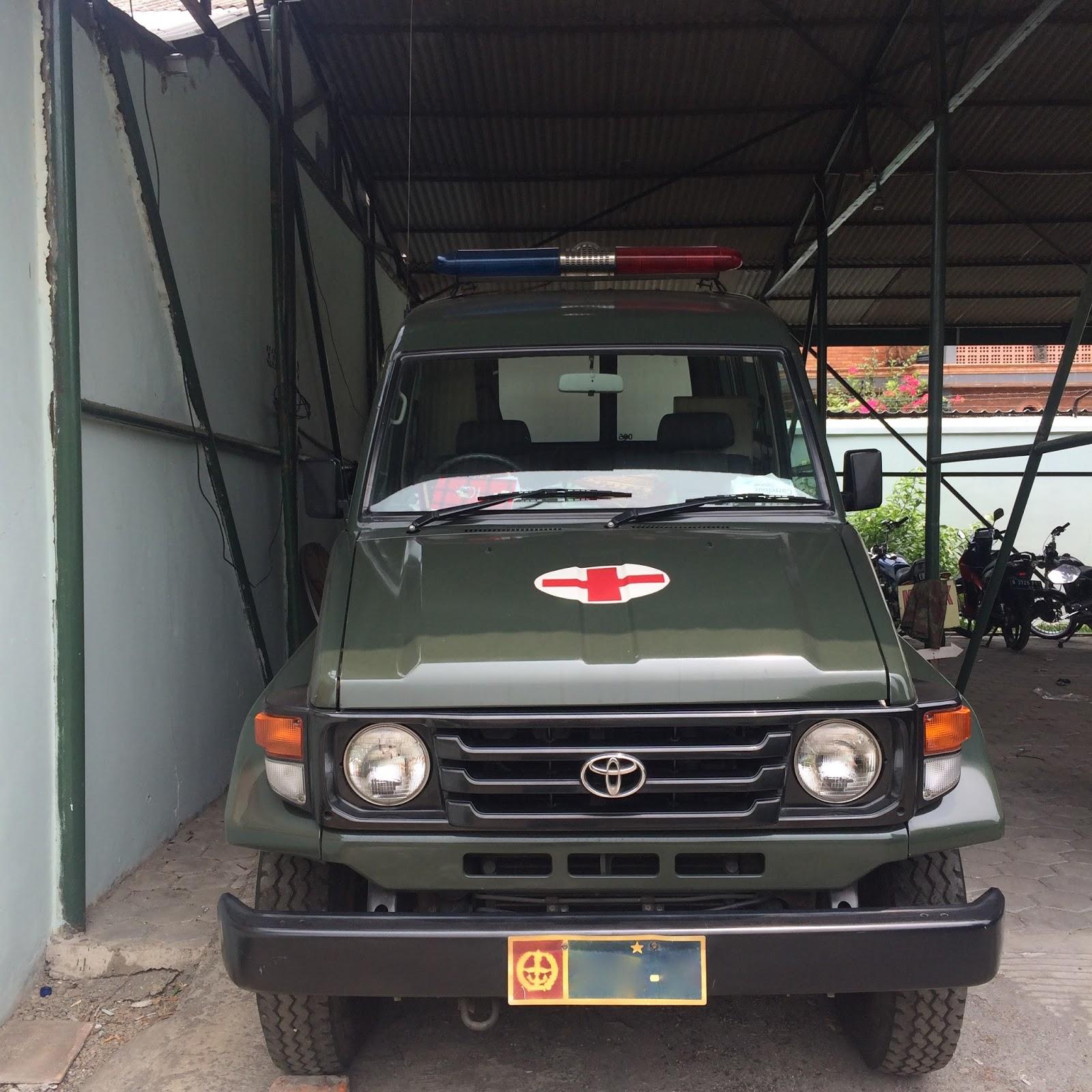Toyota Land Cruiser J70 Jakarta Rare Car Spotting 70 2015