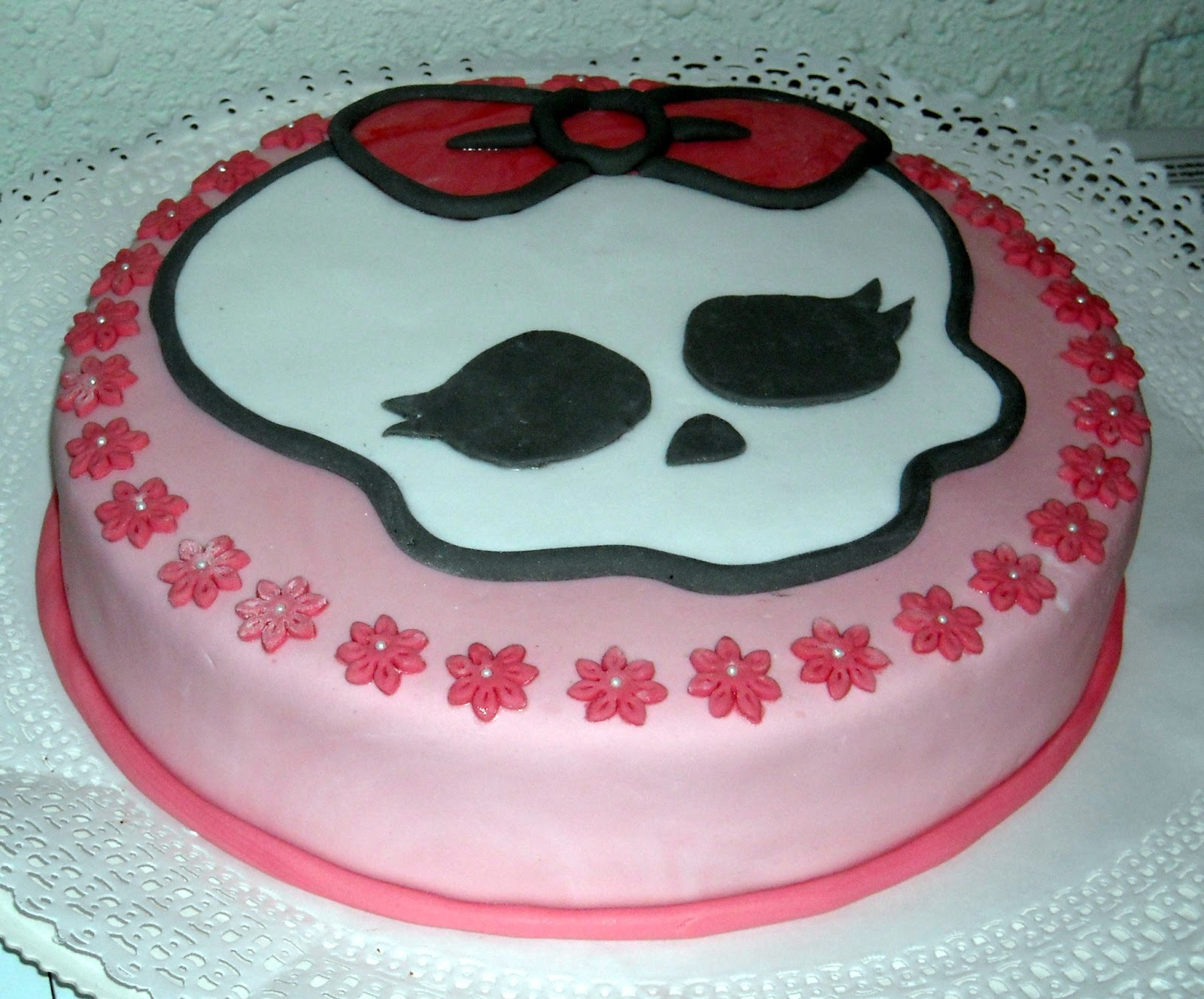 Ver tortas de monster high - Imagui