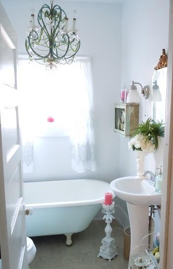 The Vintage Farmhouse Bathroom Reveal from thevintagefarmhouse.com