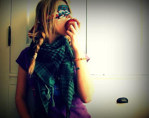 Eat Apple Blindfolded Photo!