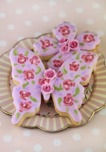 http://cakeshautecouture.com/images/Cookies_fiestas_3.jpg