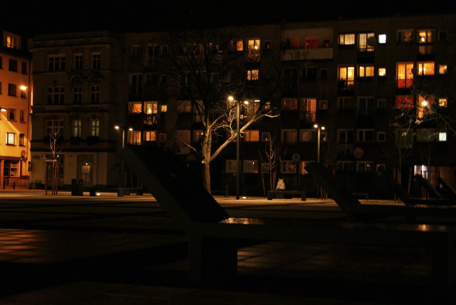 plac Nowy Targ wrocław noc