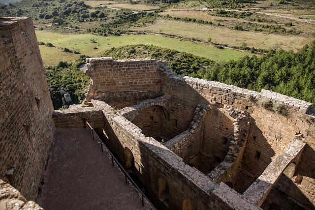 Castillo de Loarre  :: Canon EOS5D MkIII | ISO100 | Canon 24-105 @24mm | f/6.3 | 1/50s