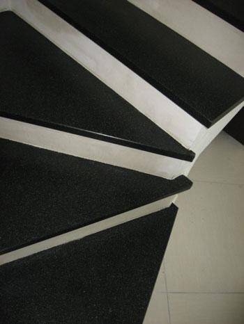 Pavimento para escaleras ideas para decorar dise ar y - Granito per scale ...
