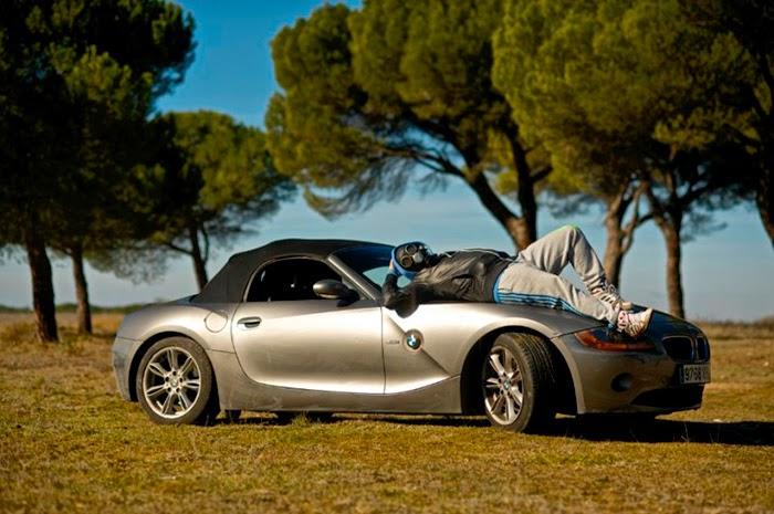 Un grupo de rock regala un BMW Z4 a quien le haga el mejor Vídeo-Clip