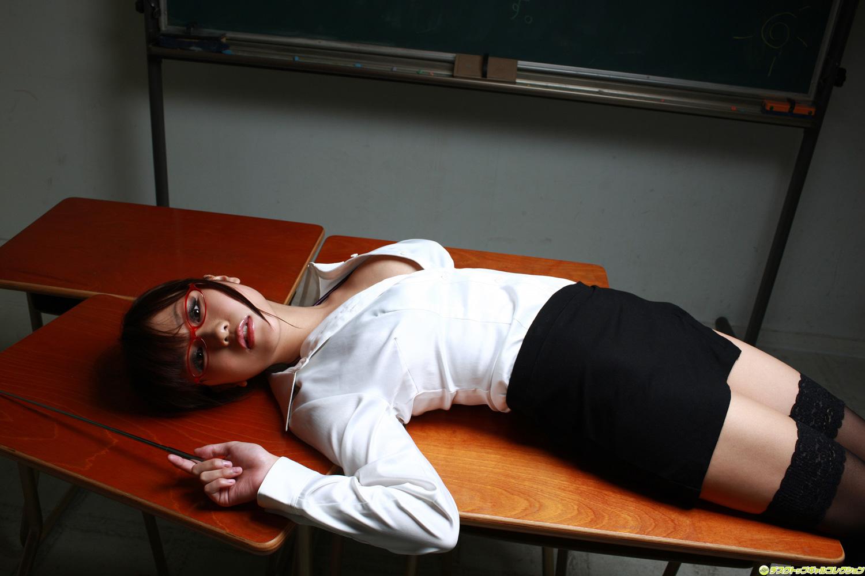 Секс с училкой по физкультуре в школе, Секс с училкой - Лучшее порно с училкой и секс 2 фотография