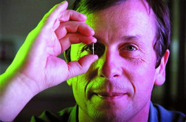 Kevin Warwick primer Humano con Implantes Cibernéticos