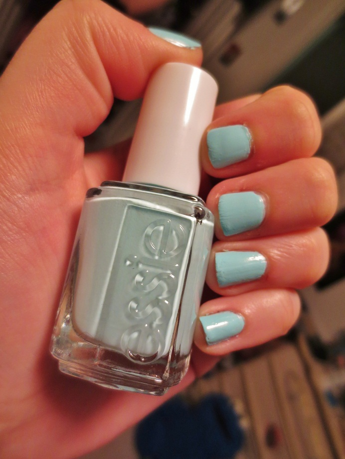 Vibrant, Vivacious, Veracious Beauty Blog: Nail of the Day: Essie ...