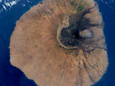 Un tsunami con una gigantesca ola de 170 metros de altura