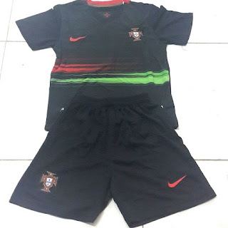 gambar detail kamera photo instagram Jersey Kids Timnas Portugal Away terbaru Official Euro 2015 di enkosa sport toko online baju bola terpercaya dan terlengkap