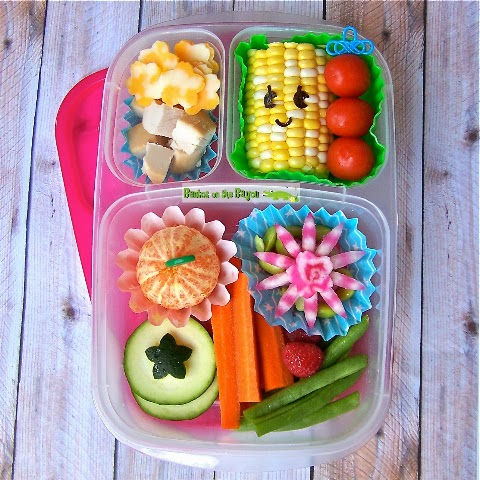 A Beautiful Bento by Bentos On The Bayou guest posting at Bent On Better Lunches