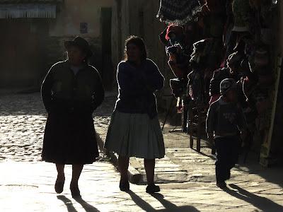 Personas en Ollantaytambo