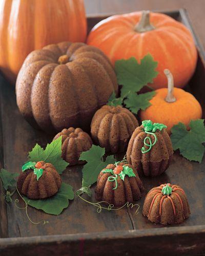 Juneberry Lane Tutorial Tuesday Pumpkin Bundt Cake