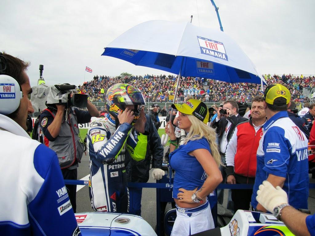 Cewek Cantik MotoGP ( Umbrella Girl ) Valentino Rossi