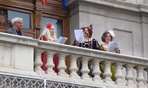 Valencia recibe a Libertad, Igualdad y Fraternidad tras una cabalgata laica