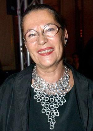 Helga König im Gespräch mit der Galeristin Helga  Müller
