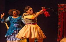 """DIA DO TEATRO E DO CIRCO. Peça """"As Rosarianas"""" Cia. do Rosário/PB. Dia 25/03, Teatro Ica Pires, 17h"""