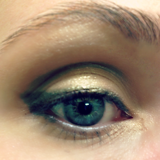 neutrogena eye shadow bold look