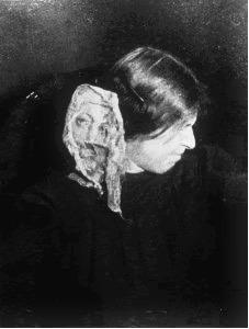 1912, Eva Carrière,  ectoplasme