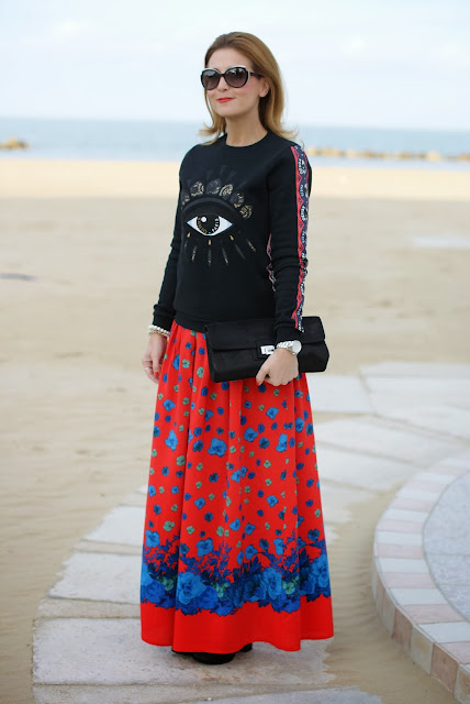 Kenzo eye sweatshirt, Asos maxi flower skirt, felpa occhio Kenzo, Fashion and Cookies, fashion blogger