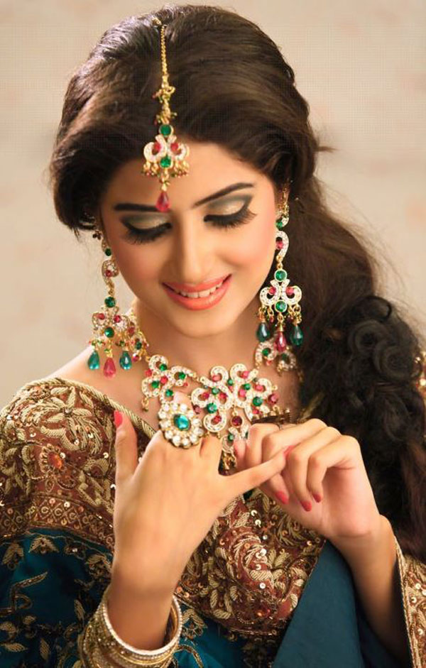 Sajjal Ali In Stunning Bridal Jewelry  - Sajal Ali