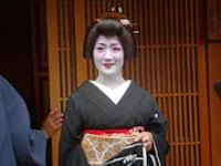 小芳さん襟替え「おめでとうさん」です。