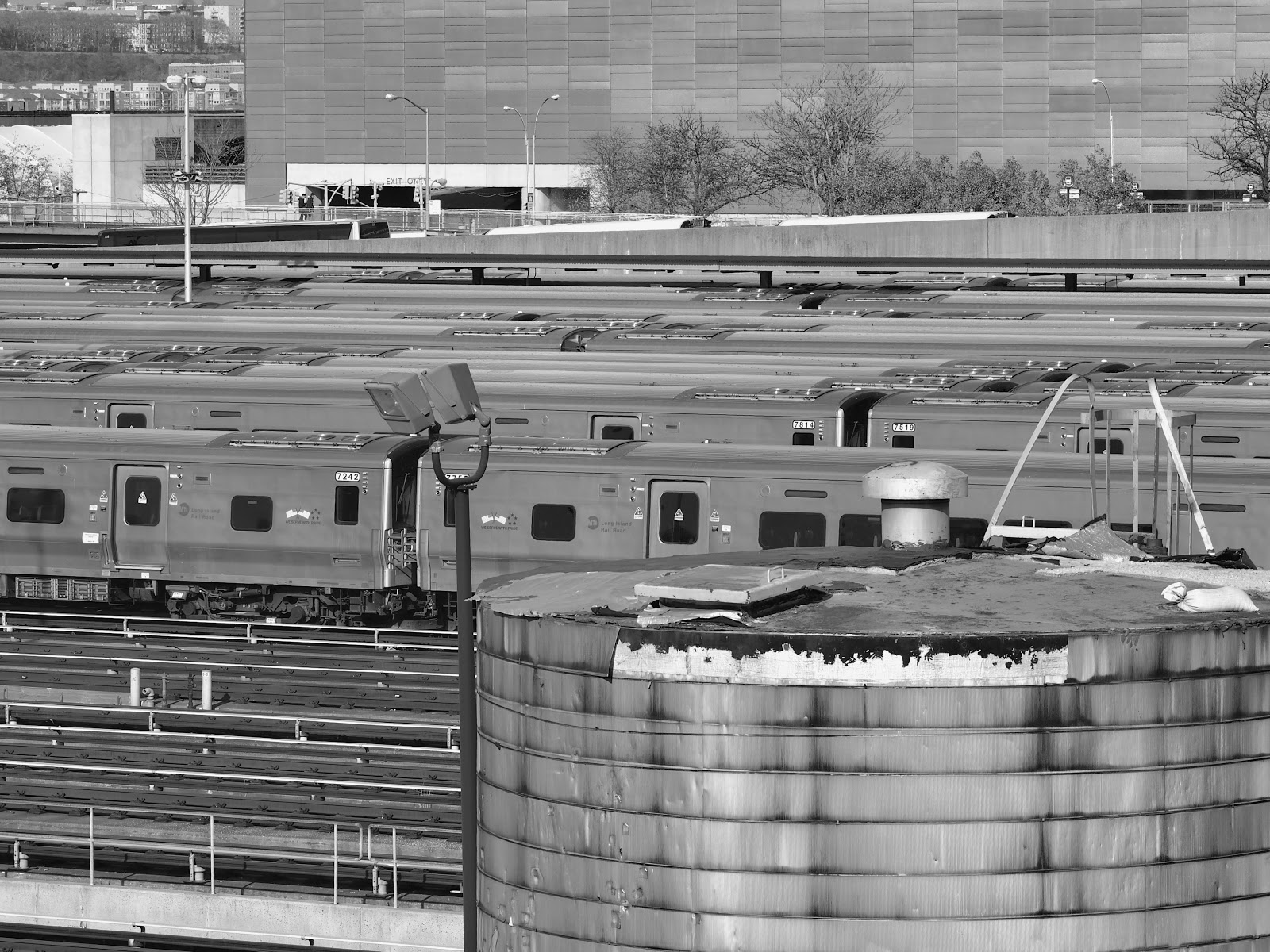 Hudson Rail Yard - Looking North #hudsonrailyardlookingnorth #railyard #hudsonyards #nyc #trains #lirr #rail #trains