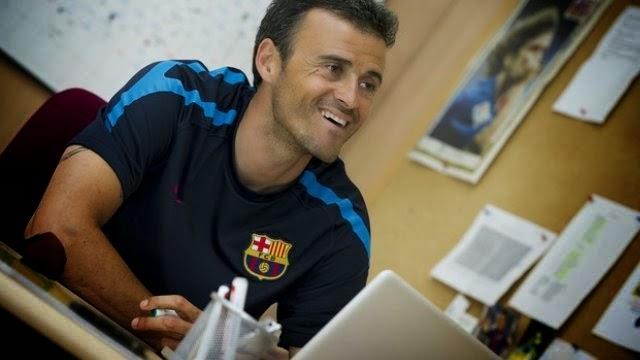 لويس انريكي مدرب برشلونة