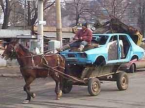 foto lucu mobil dan kuda