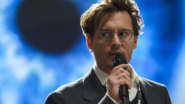 Johnny Depp in Transcendence 7h