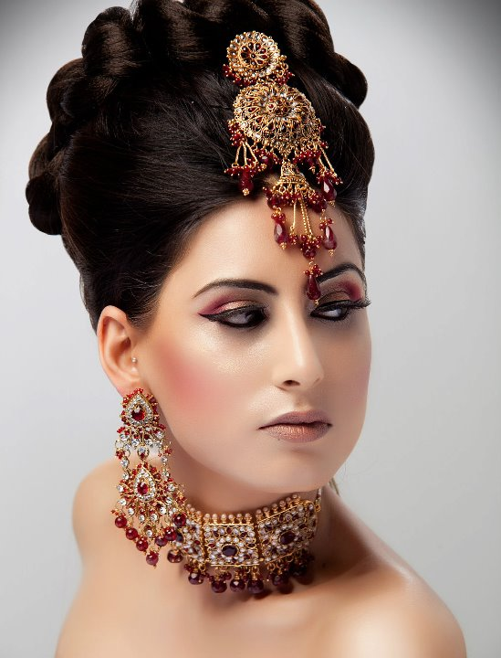 Bridal Makeup Hairstyle Images : Makeup and Hairstyles: Arabian Hairstyles