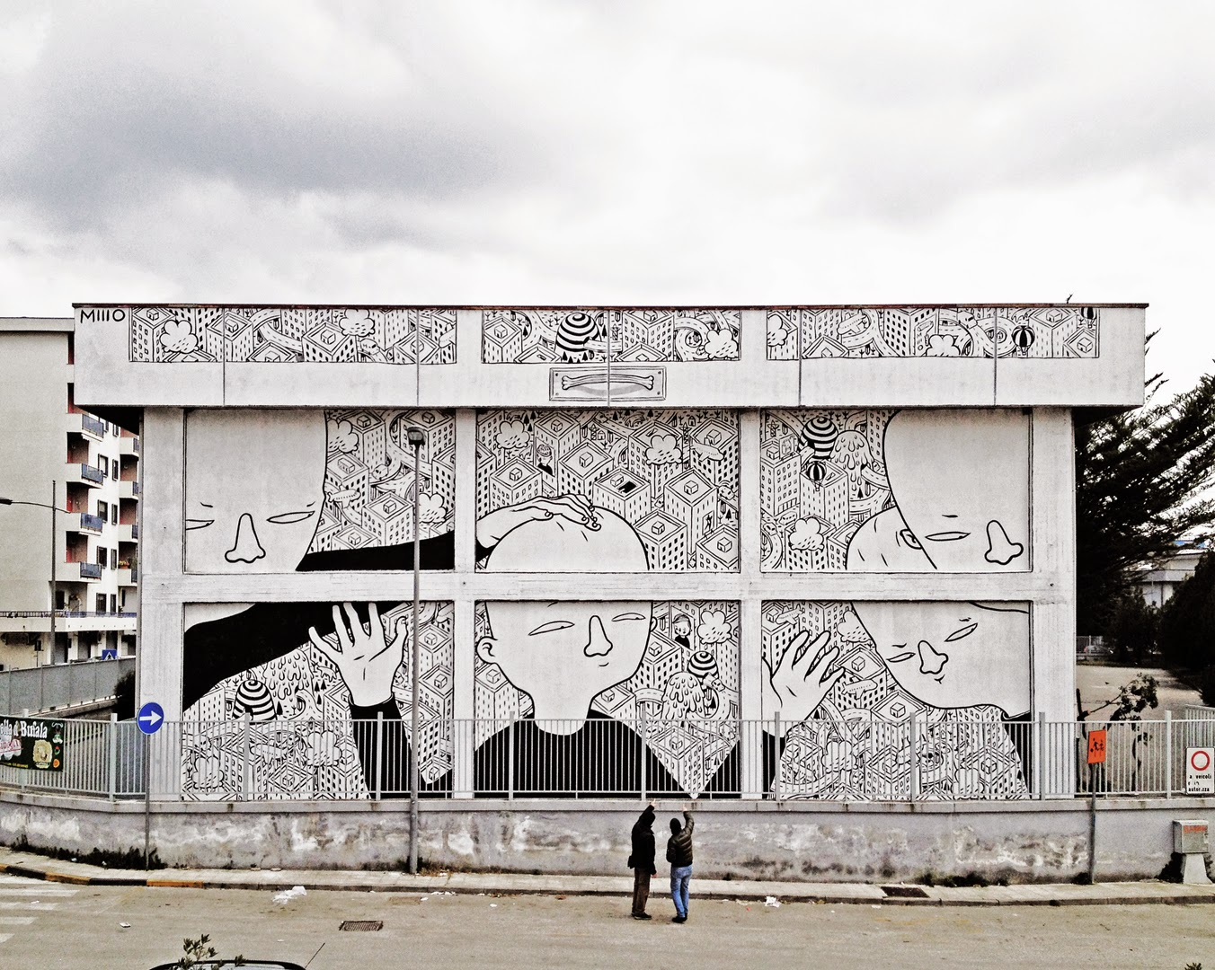 Millo just sent us a brand new series of images from his latest artwork which was recently completed on the side of a building in the city of Battipaglia in Italy.