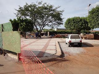 Obras na praça dos Franciscanos.