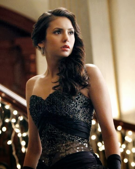 The Stunning Elina Gilbert In Amazing Black - The Vampire Diaries