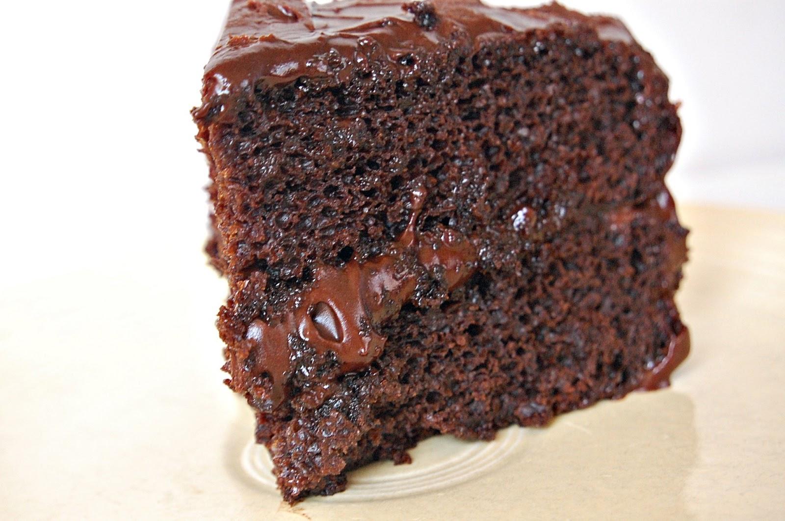 Beta Vegan: Vegan Chocolate Cake
