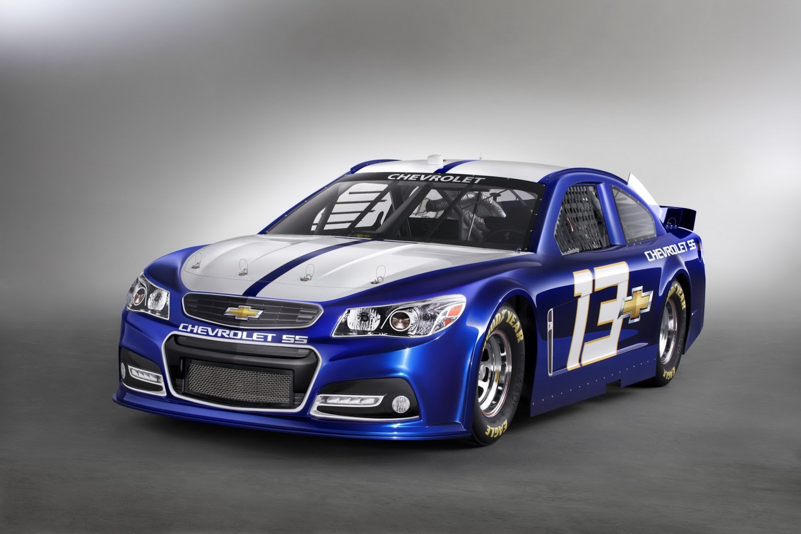 2013-chevrolet-ss-nascar-race-car-revealed-previews-rwd-sedan-photo-gallery_9.jpg