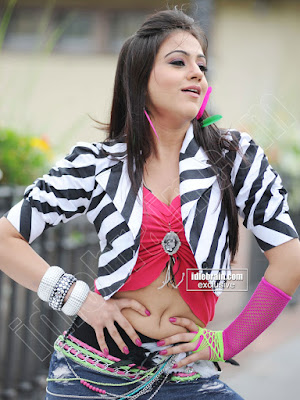 Aksha Hot Wallpapers - Latest
