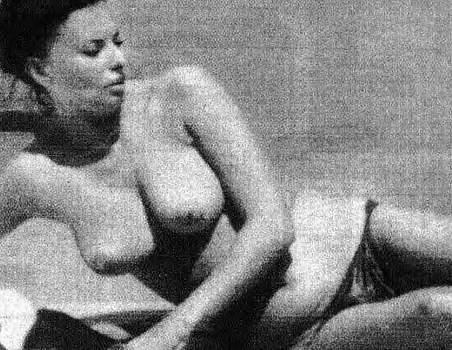 Sophia loren topless