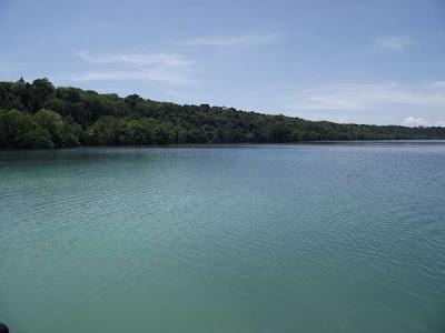 bintancenter.blogspot.com - Danau Ubur-ubur Terbesar di Dunia Ada di Indonesia