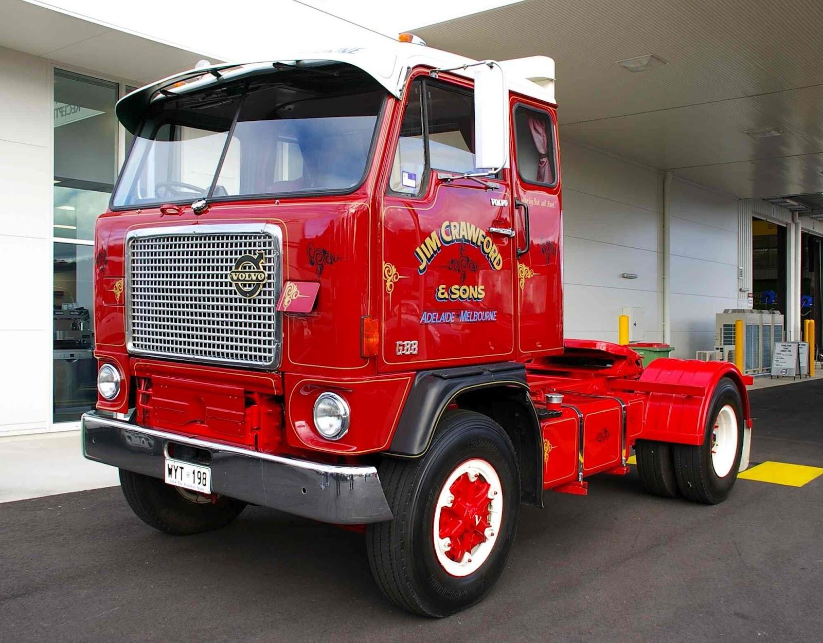 Historic Trucks: Opening of CMV Albury Wodonga May 2012