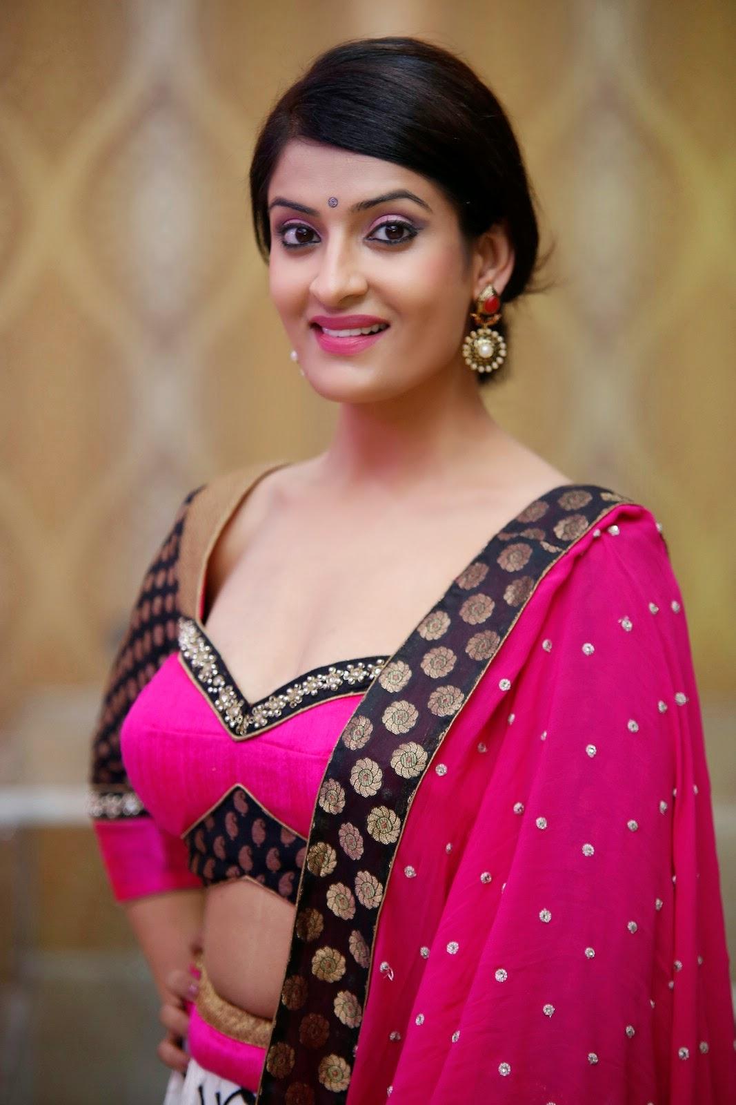 Akanksha latest Glam Pics in Pink-HQ-Photo-20